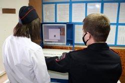 Ученики 10-го полицейского класса нашей школы побывали на Дне открытых дверей в здании Отдела МВД России по Таймырскому району.